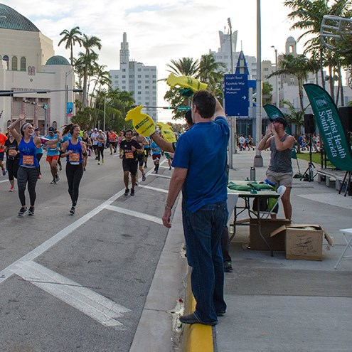 Team NWS runs Miami Marathon